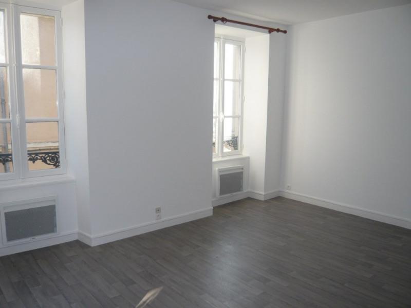 Rental apartment Laval 440€ CC - Picture 2