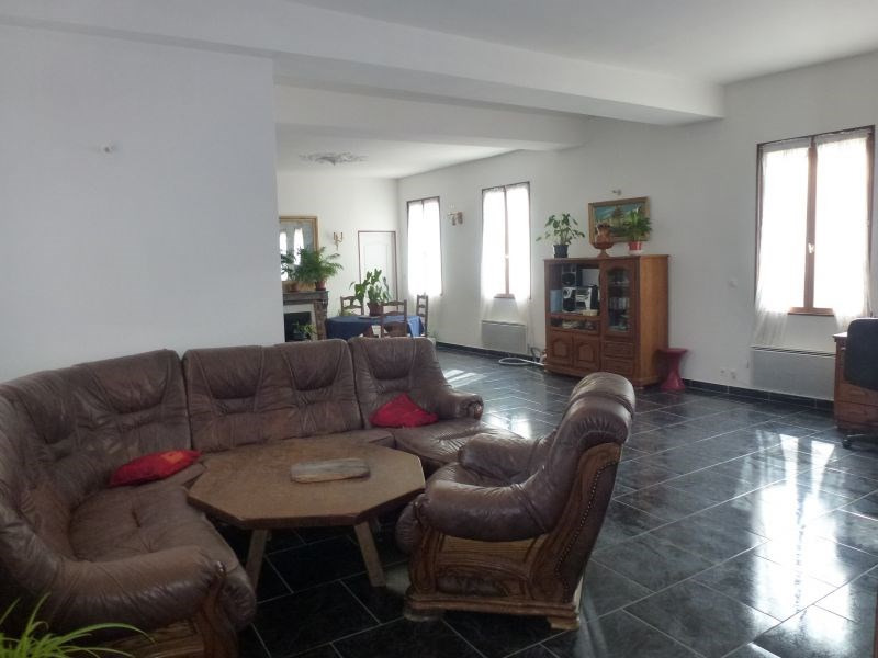 Sale house / villa Crèvecoeur-le-grand 204000€ - Picture 2