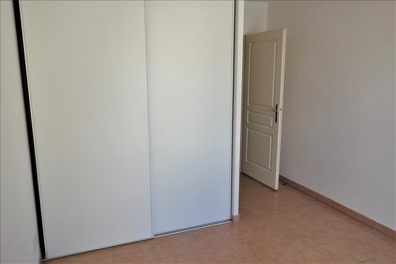 Location appartement Aubagne 730€ CC - Photo 4