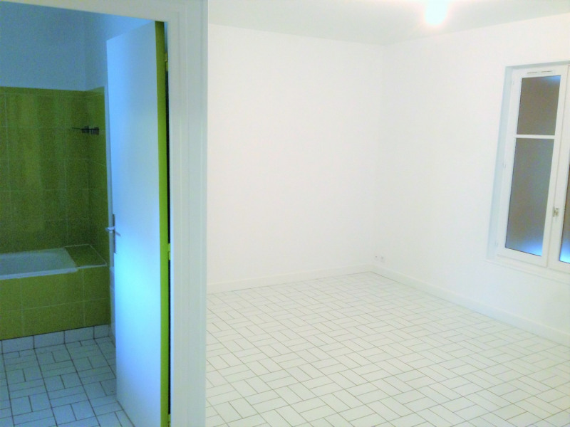Rental apartment Pierrelaye 475€ CC - Picture 2