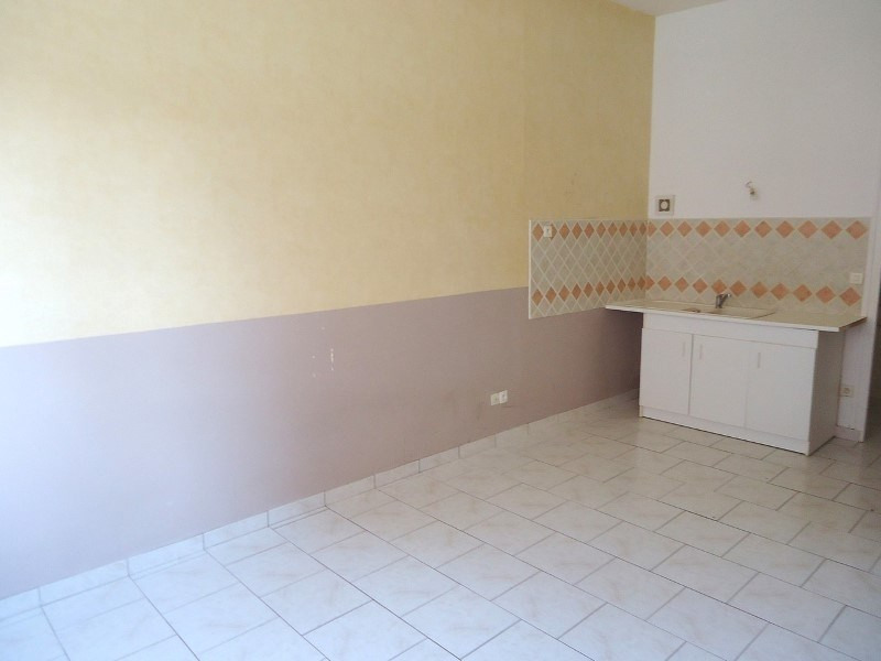Rental apartment Livarot 321€ CC - Picture 2