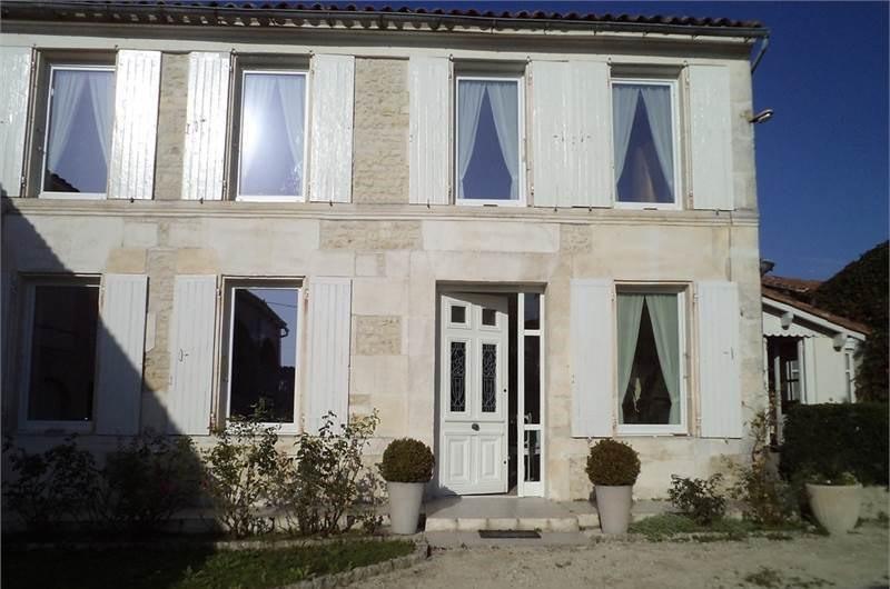 Sale house / villa Juillac-le-coq 243500€ - Picture 1