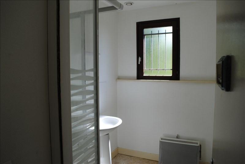 Location maison / villa Saints 550€ CC - Photo 8