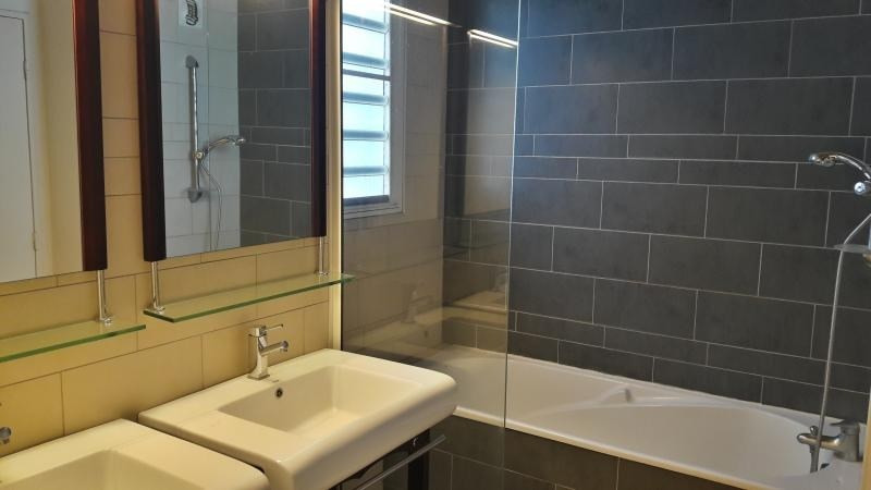 Sale apartment St paul 235 351€ - Picture 7