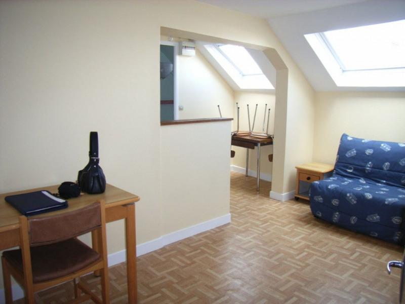 Rental apartment Laval 282€ CC - Picture 1