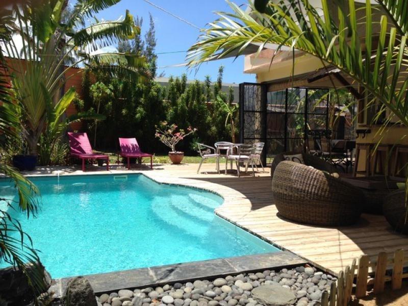 Deluxe sale house / villa St gilles les bains 850000€ - Picture 1