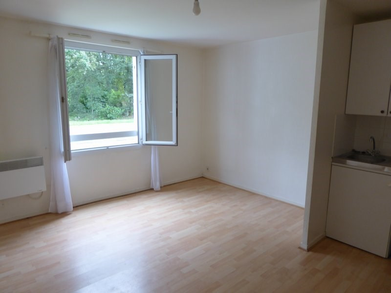 Rental apartment Maurepas 601€ CC - Picture 1