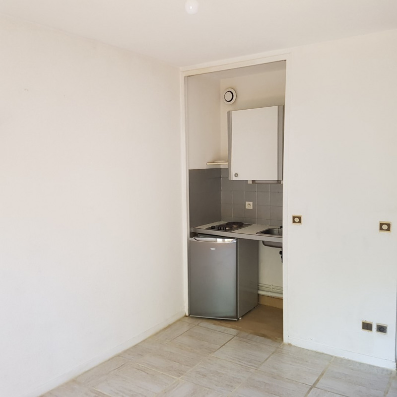 Rental apartment Aix-en-provence 470€ CC - Picture 2