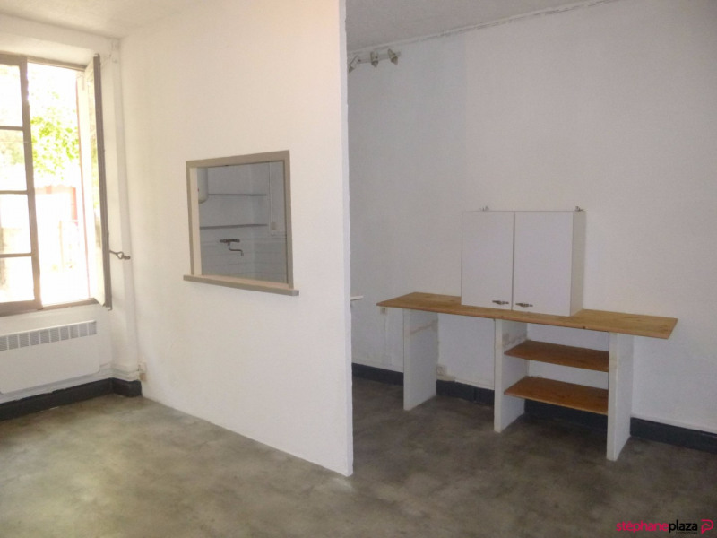 Location appartement Entraigues sur la sorgue 460€ CC - Photo 2