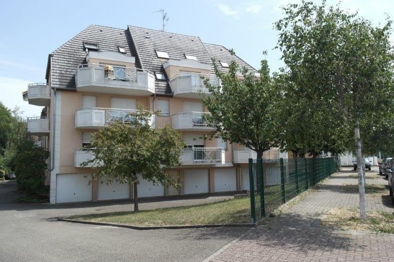 Rental apartment Strasbourg 836€ CC - Picture 2
