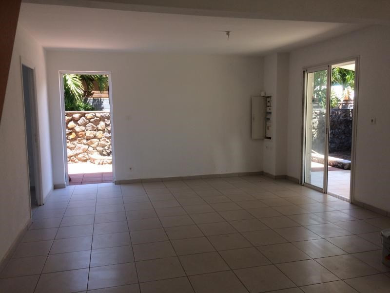 Location maison / villa Ste clotilde 1 790€ CC - Photo 4