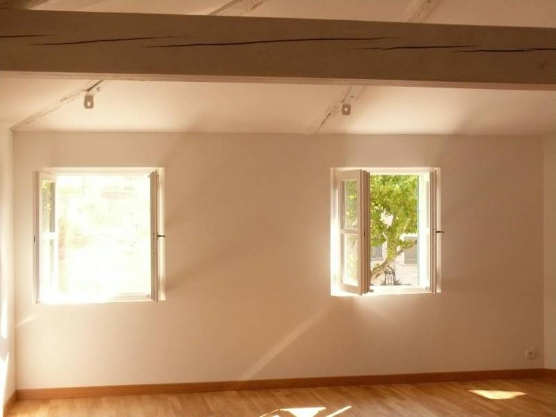 Rental apartment Villeneuve-les-avignon 950€ CC - Picture 1