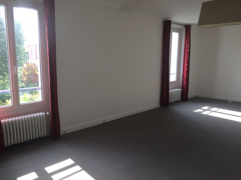 Location maison / villa Nanterre 1 900€ CC - Photo 3