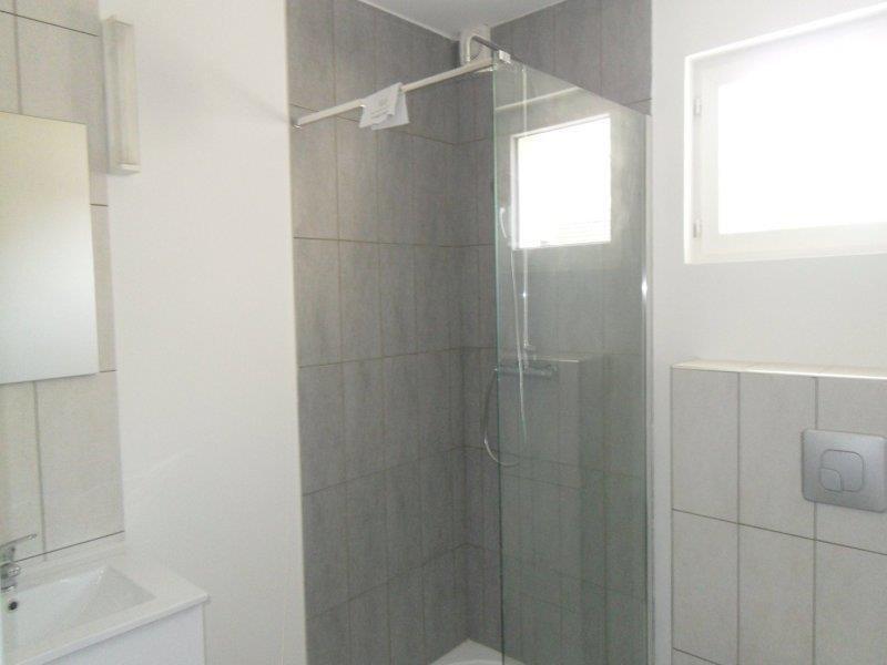 Rental apartment Saint andre les vergers 450€ CC - Picture 3