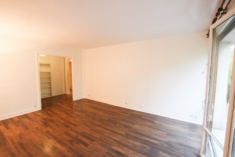 Location appartement Paris 16ème 2 350€ CC - Photo 2