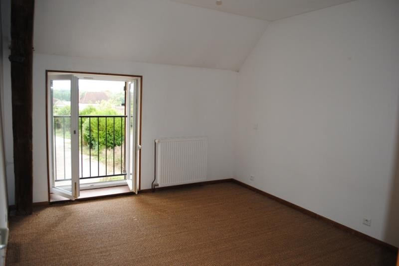 Rental apartment Maligny 430€ CC - Picture 4
