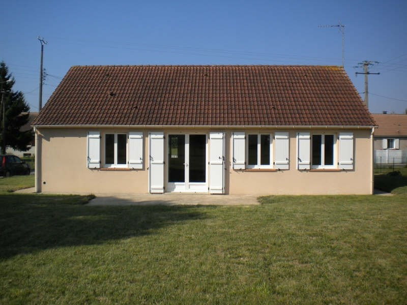 Location maison / villa Huisseau en beauce 654€ CC - Photo 2