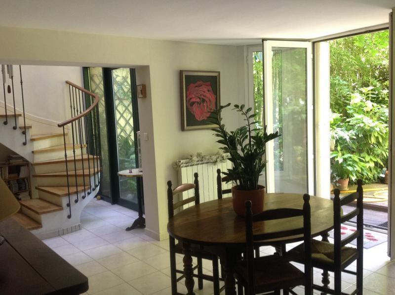 Deluxe sale house / villa Montpellier 750000€ - Picture 1