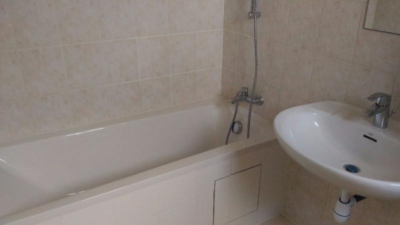 Rental apartment Saint laurent du var 475€ CC - Picture 4