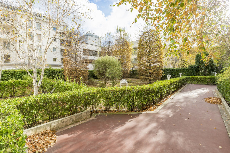 Deluxe sale apartment Levallois-perret 1 380 000€ - Picture 5