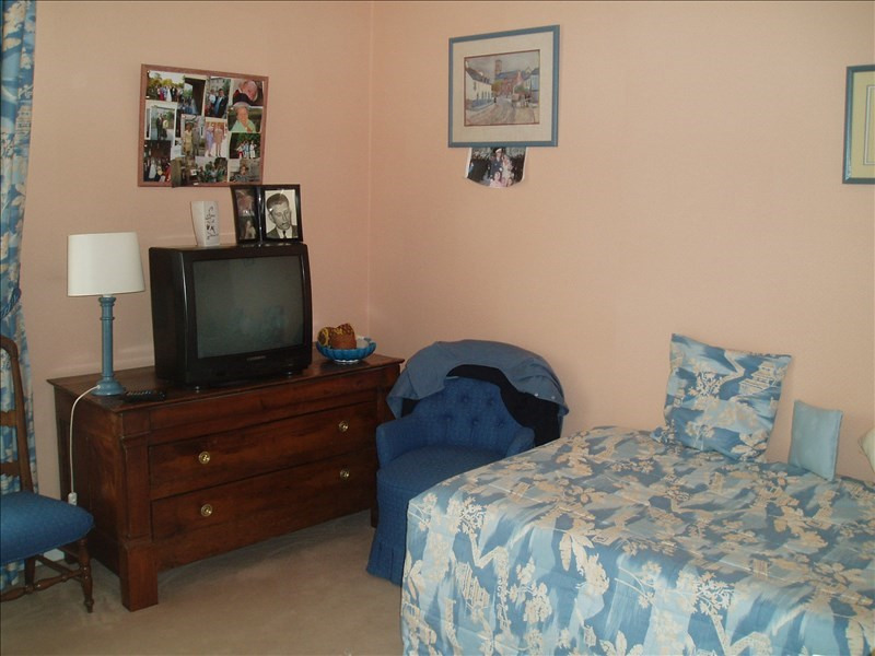 Rental apartment Le chesnay 1 100€ CC - Picture 5