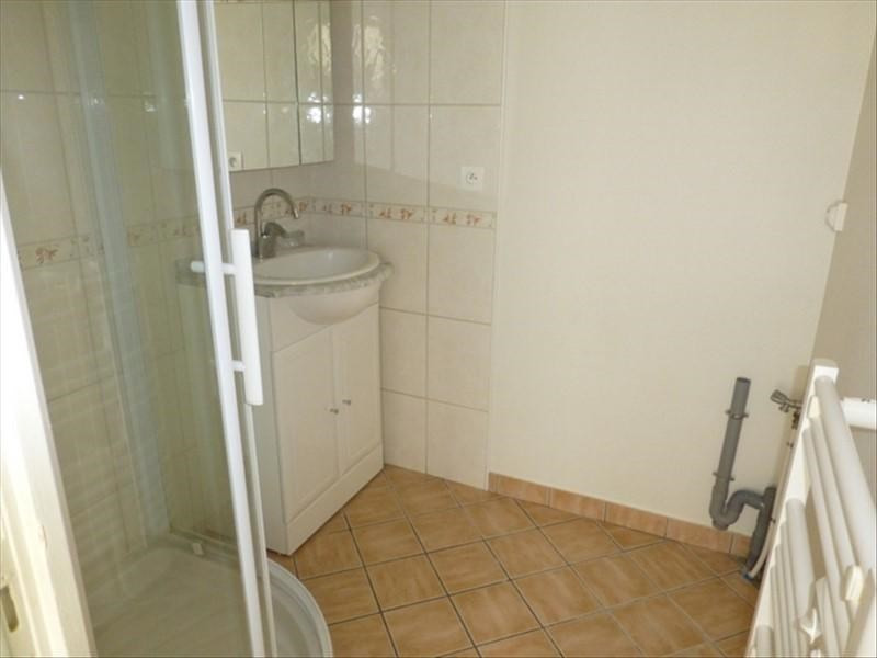 Rental apartment St jean d angely 450€ CC - Picture 6