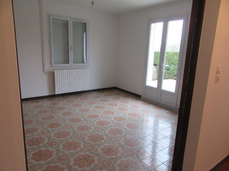 Location maison / villa Sarliac sur l isle 650€ CC - Photo 3