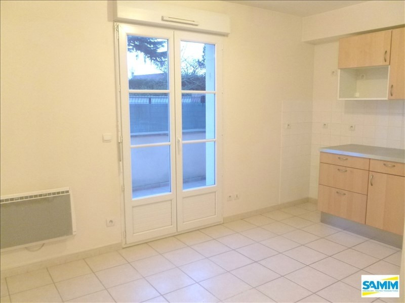 Rental apartment Echarcon 450€ CC - Picture 2