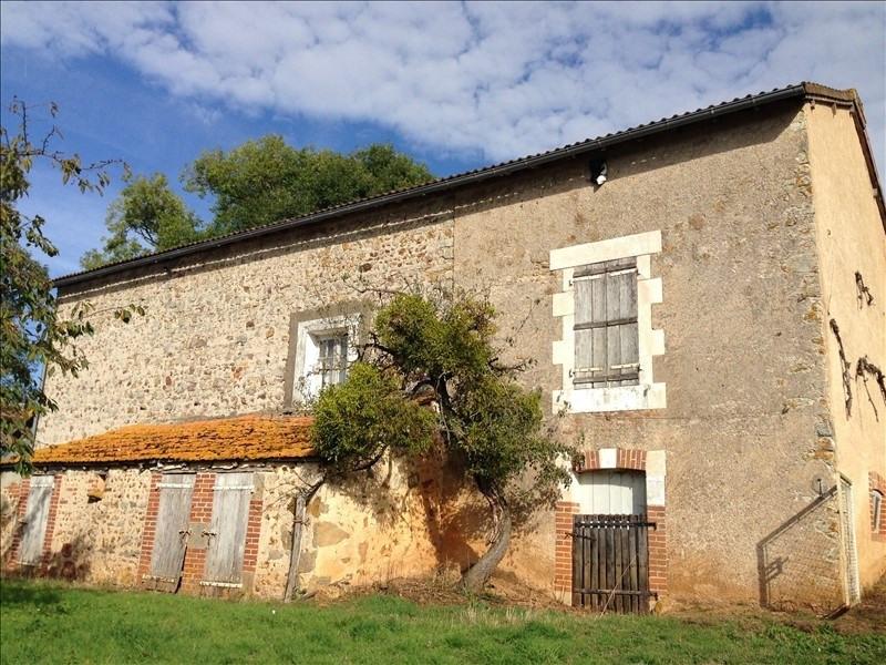 Sale house / villa Lathus st remy 143300€ - Picture 2
