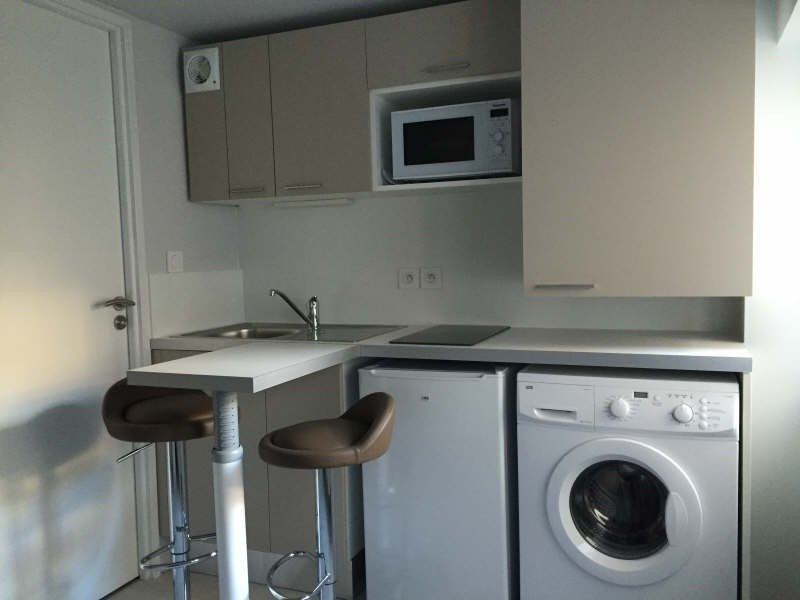 Location appartement Lyon 6ème 450€ CC - Photo 1