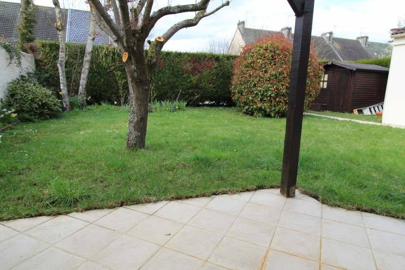 Sale house / villa Maurepas 345000€ - Picture 1