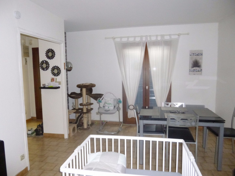 Sale house / villa Entraigues sur la sorgue 164000€ - Picture 5