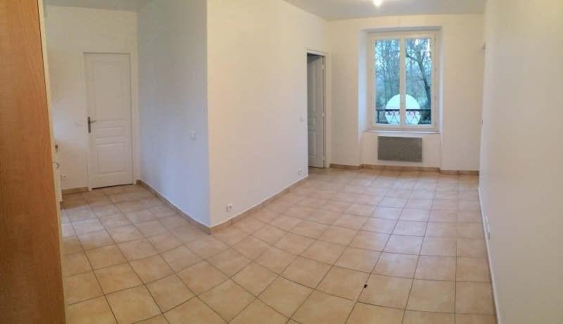Location appartement Chamant 700€ CC - Photo 2