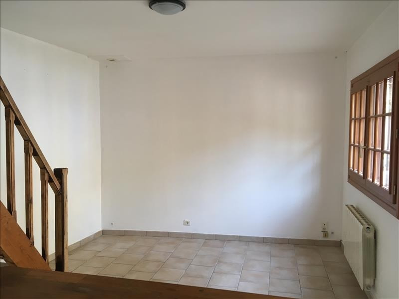 Location maison / villa Cornillon confoux 500€ CC - Photo 2