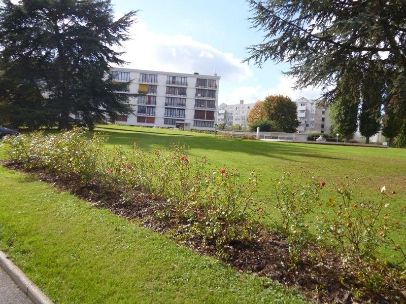 Sale apartment Beauvais 110000€ - Picture 1