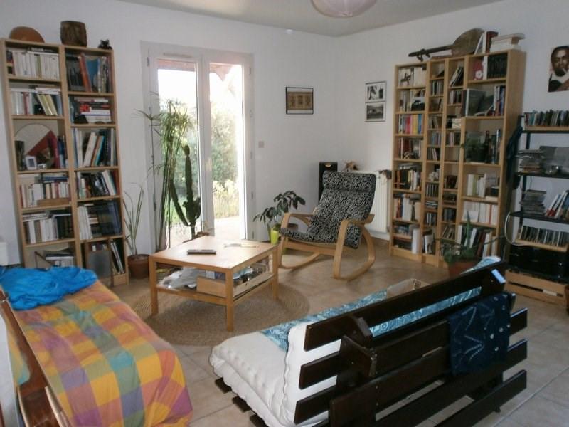 Location maison / villa L isle d abeau 945€ CC - Photo 4