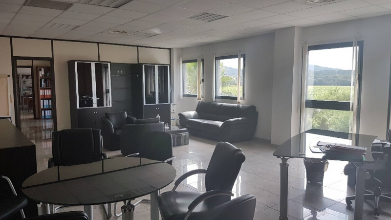 Vente local commercial Cuers 1 699 000€ - Photo 7
