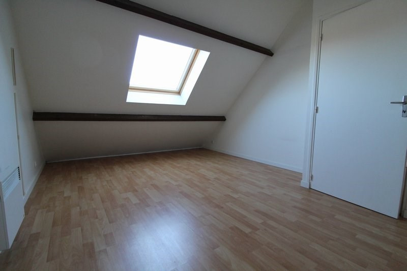 Rental apartment Le tremblay sur mauldre 615€ CC - Picture 3