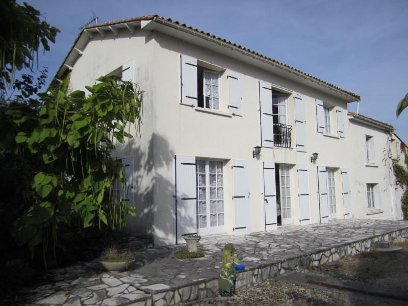 Sale house / villa Barbezieux saint hilaire 180000€ - Picture 1