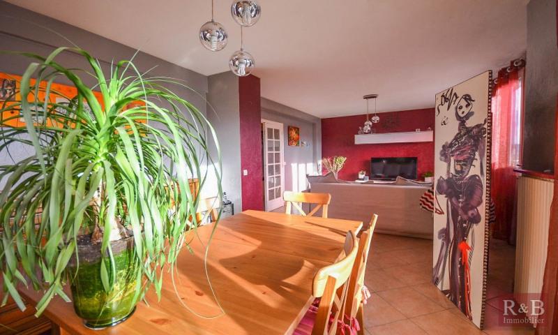 Sale apartment Les clayes sous bois 184000€ - Picture 2
