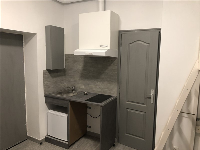 Location appartement Paris 19ème 700€ CC - Photo 2