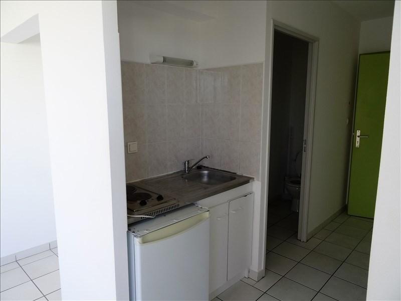 Rental apartment Tampon 380€ CC - Picture 2