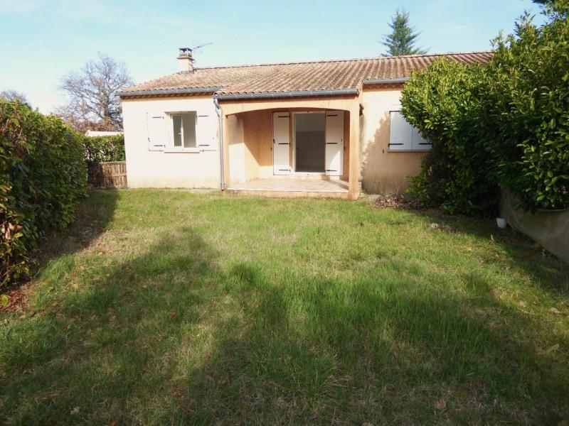 Location maison / villa Ruoms 715€ CC - Photo 1