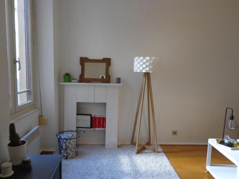Location appartement Lyon 3ème 435€ CC - Photo 2