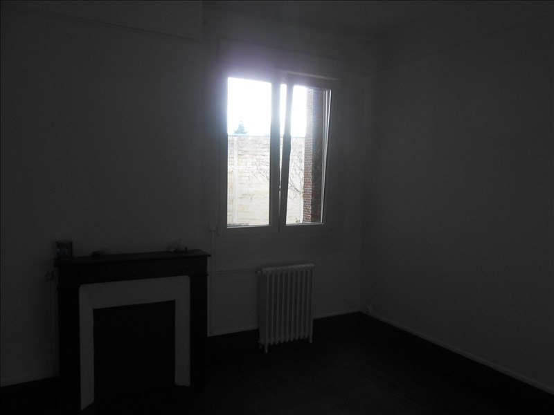 Rental apartment St quentin 570€ CC - Picture 5