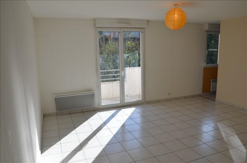 Rental apartment Oyonnax 404€ CC - Picture 2