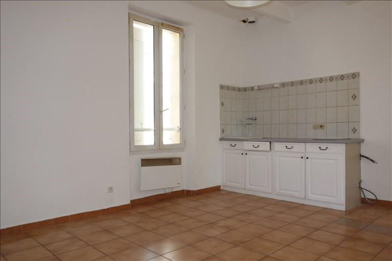 Location appartement La londe les maures 447€ CC - Photo 1