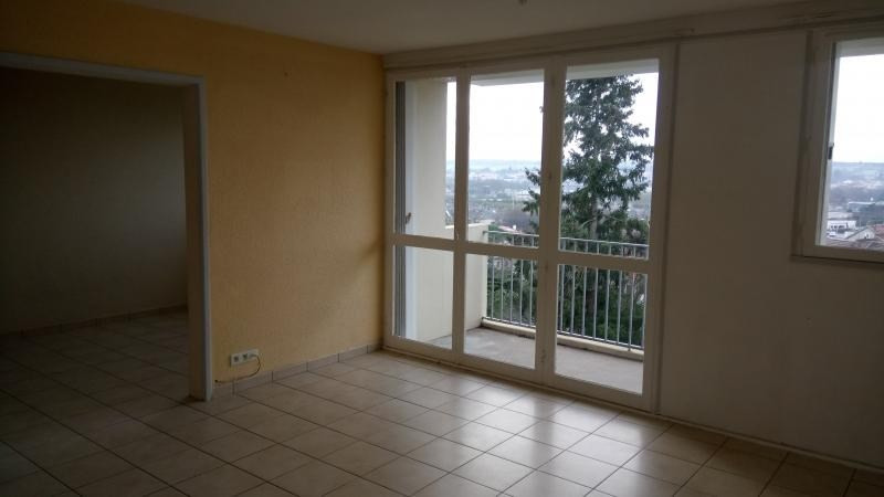 Sale apartment Cholet 65 300€ - Picture 2