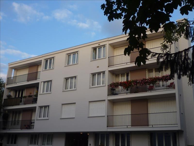 Rental apartment Le raincy 780€ CC - Picture 1