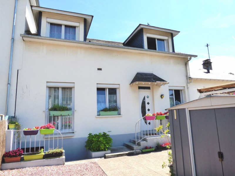 Sale house / villa Les andelys 212 000€ - Picture 1